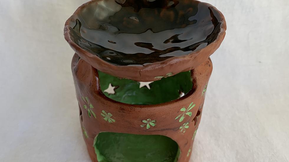 Stamped green flowers wax warmer