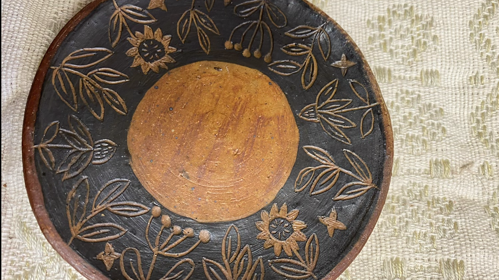 Saucer with Foliage