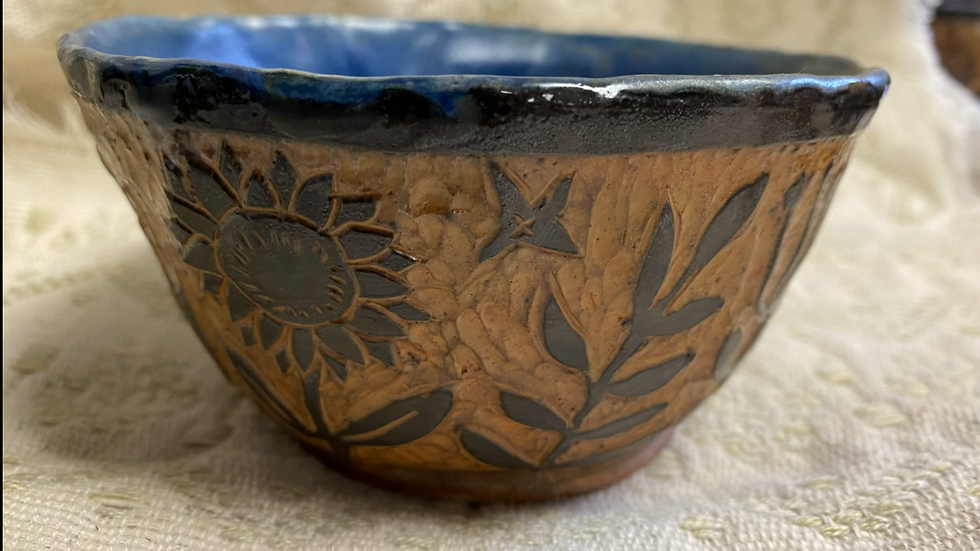 Serving Bowl with Foliage