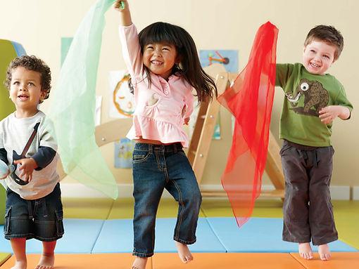 Dança   Creche, Berçário, Pré escola