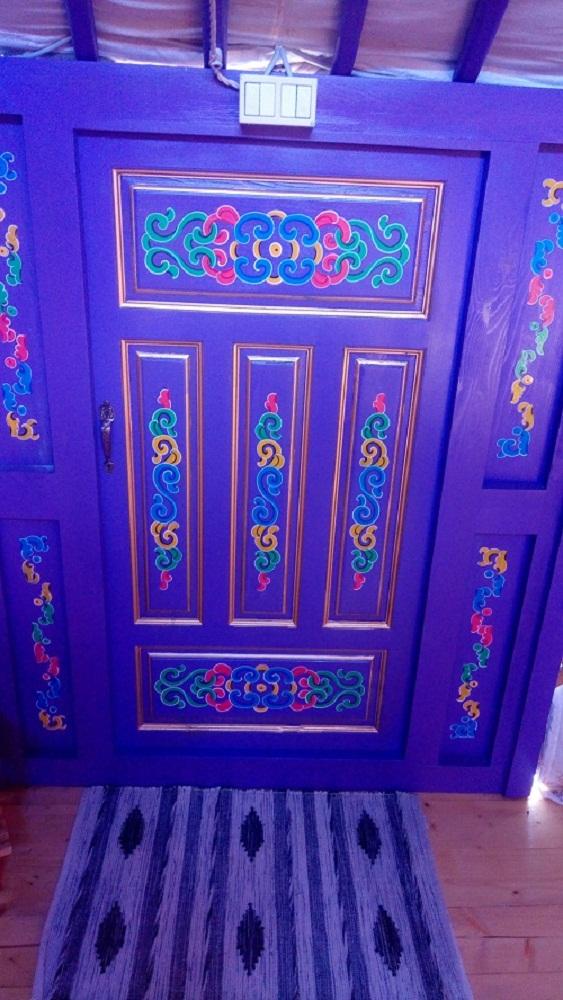 Dettaglio porta Violetta