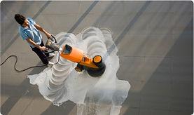 limpieza gratuita con maquina fregadora hidrolimpiadora