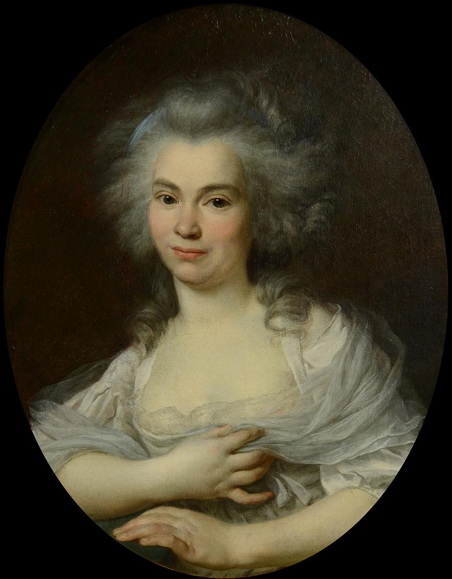 Ecole Française, époque Louis XVI, portrait de jeune femme de forme ovale, Vers 1780 H: 44, L : 35 cm.