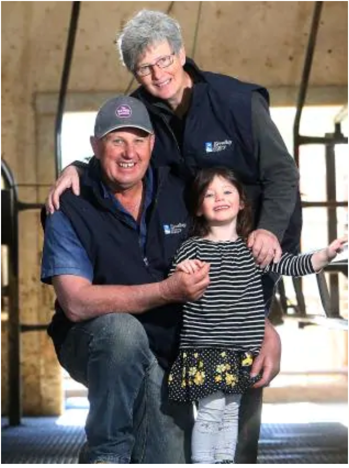Judith & Brett with their granddaughter (Photo by Weekly Times)