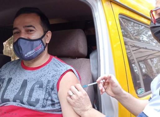 Paraguai inicia vacinação da população a partir dos 20 anos