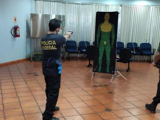 Polícia Federal de Foz do Iguaçu/PR promove capacitação de armamento menos letal da Taser