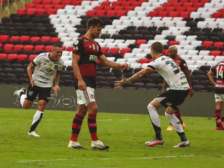 Ceará vence no Maracanã e complica Flamengo no Brasileirão