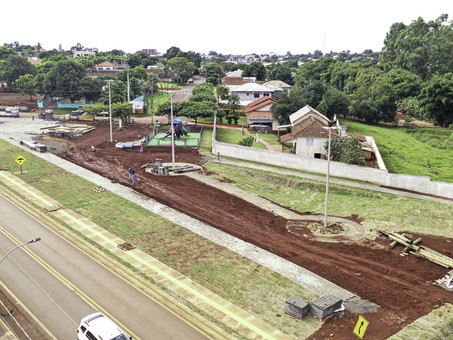 Obras da nova praça seguem a todo vapor em Santa Terezinha de Itaipu