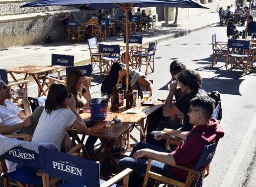 Paraguai flexibiliza restrições e permite bares e restaurantes até a meia noite