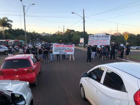 Donos de bares e restaurantes de CDE protestam contra toque de recolher