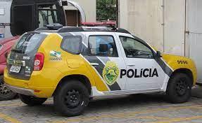 POLICIA MILITAR PRENDE INDIVÍDUOCOM ARMA DE FOGO NO CENTRO