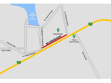 Via marginal da BR-277 estará bloqueada para o tráfego de veículos