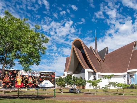 Natal de Luzes de Itaipu reforça turismo religioso da Catedral Nossa Senhora de Guadalupe, em Foz