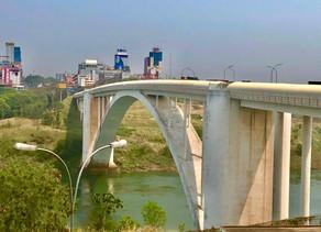 Dia histórico na fronteira. Ponte da Amizade reabre e anima negócios na região