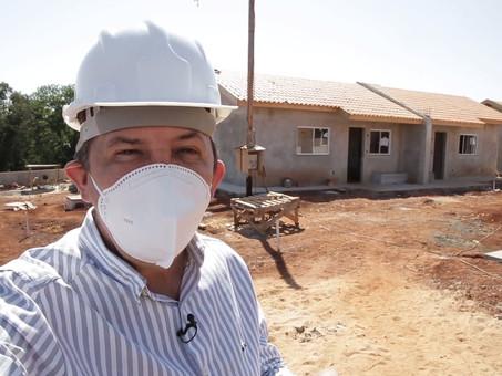 Chico Brasileiro 'azeita máquina' para obras nos bairros e no centro de  Foz do Iguaçu