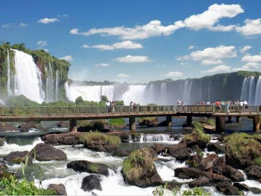 Foz do Iguaçu atrai 33,6 mil turistas nos primeiros dias de 2021