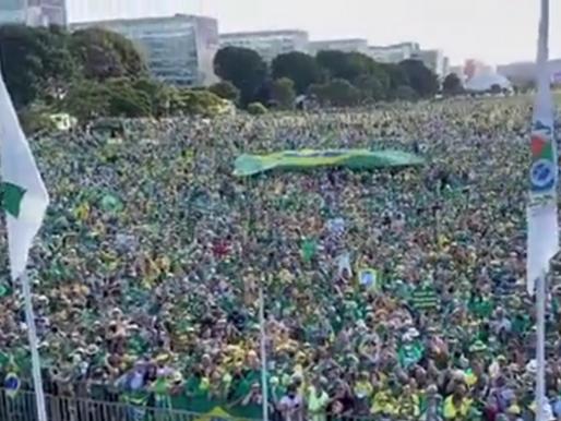 Bolsonaro manda recado a Alexandre de Moraes