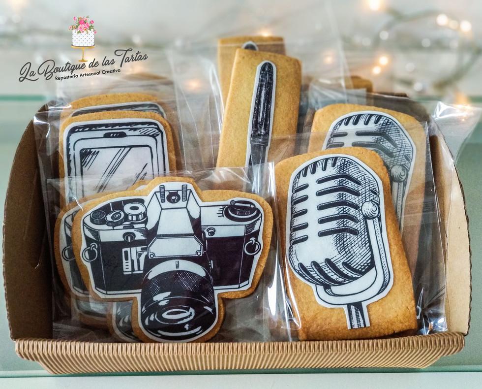 cesta galletas microfono.jpg