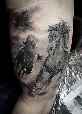2 horses tatoo
