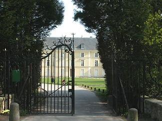 chateau Quincy.jpg
