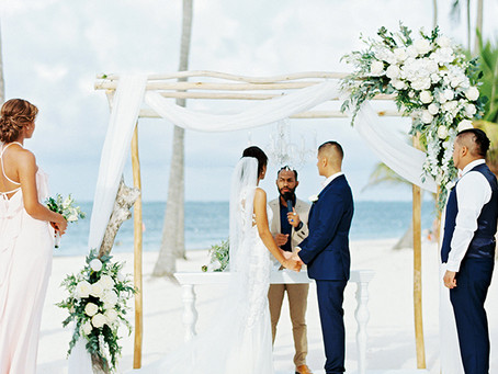 The latest beach bridal trends!