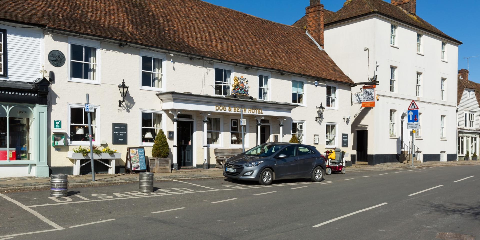 Dog & Bear - Lenham