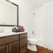 16197289334_bathroom.jpg