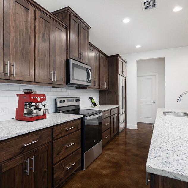 4_kitchen.jpg