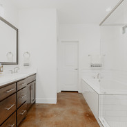 16192284973_bathroom2copy.jpg