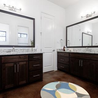 DeSoto II_bathroom.scene (1).jpg