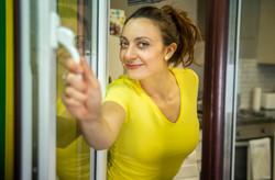 Claudia Barba as Mum