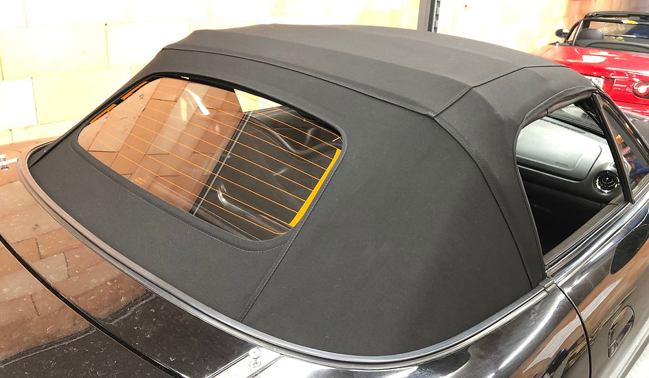 NA-NB Softtop - Mohair in the color black with glass window