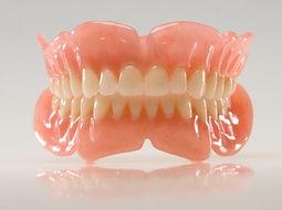 complete denture (1).jpg