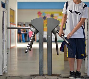 Catraca - segurança para pais e alunos