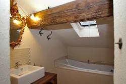 Small cozy bathroom