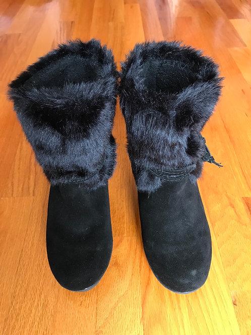 Bearpaw black furry wedge booties - TC7
