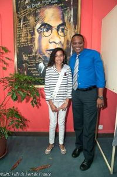 M. le maire de Fort-deFrance et la maire junior SHIN OUA Loan