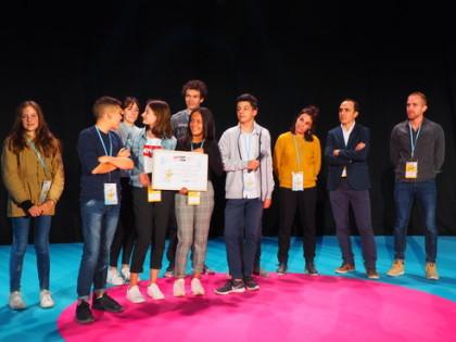 Les membres du conseil départemental des jeunes de la Drôme, Lauréats du Prix Cap'Com Conseils de Jeunes 2018