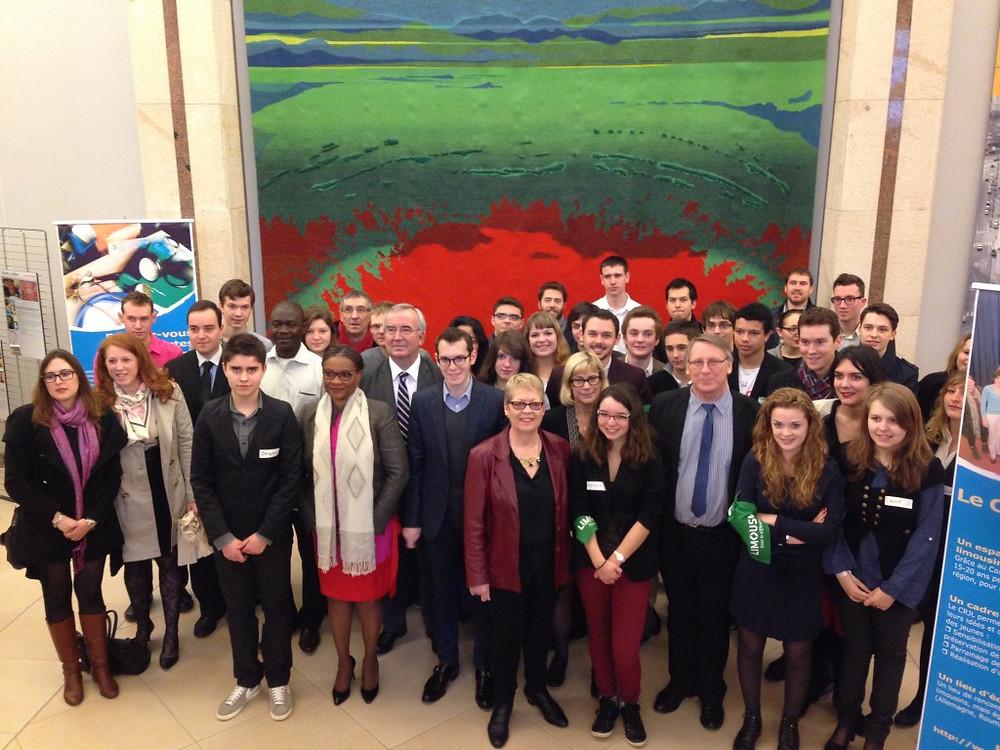 Les membres du CRJL en compagnie de G. Vandenbroucke, Président de la Région Limousin.