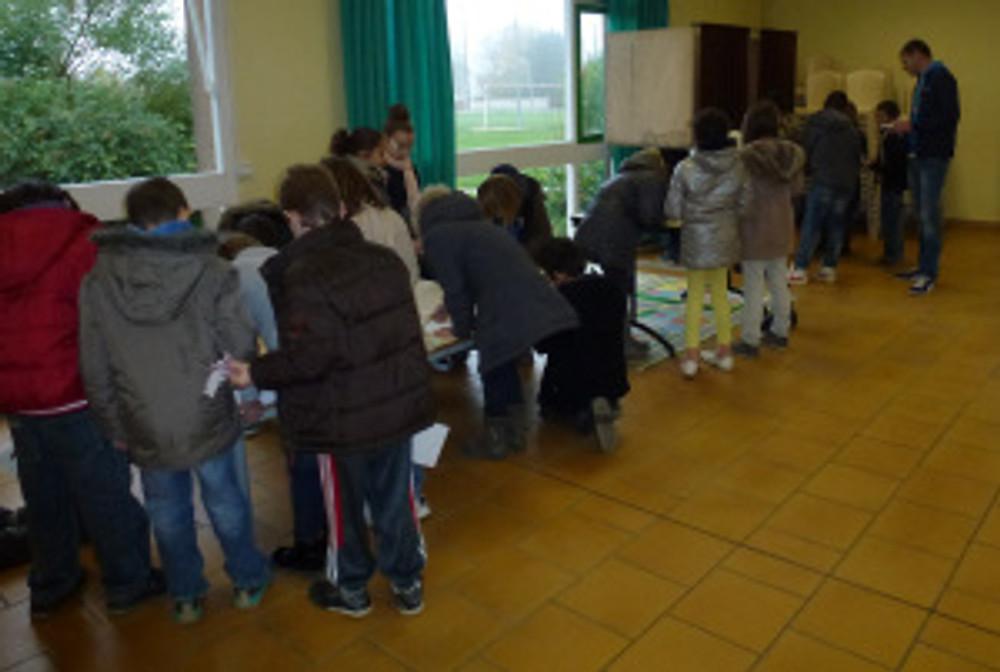 Les CM1 et CM2 de la Ville votent pour élire leurs représentants au sein du CCE ©CCE Buxerolles