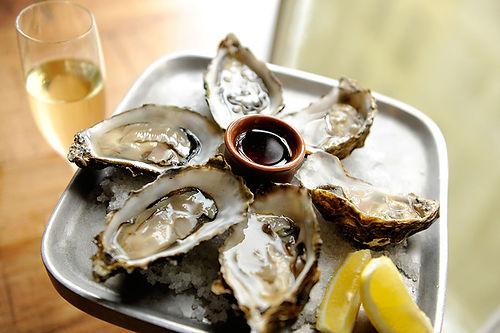 BIS-Utrecht-Restaurant-Eten-2-oesters.jp