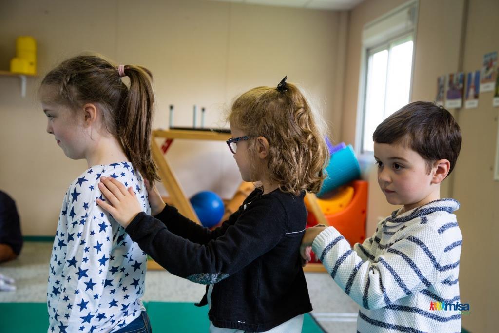 massage école scolaire loisirs crèche enfants Rezé saint herblain nantes 4