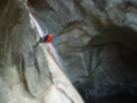 Canyoning avec le bureau montagne de Pyrénées 2000