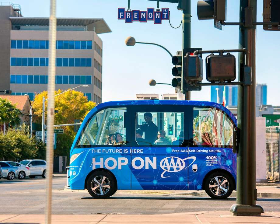 Self driving mini bus debuts on the Strip