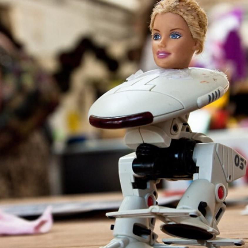 Toy hacking מתעסקים בצעצועים אלקטרוניים עם סוללות - מקוון
