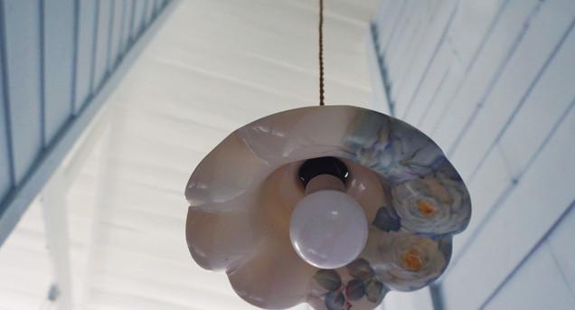 handpainted porcelain decoration