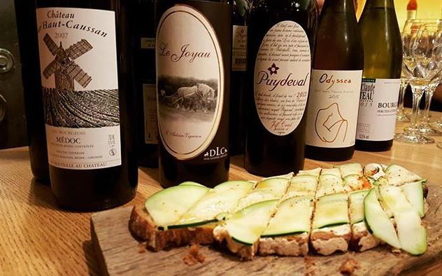 Degustation de vins et cours d'œnologue avec #oenoparis #oenologie #wine #winery #wine🍷 #winenot #wineart #winelover #winestagram #winelover
