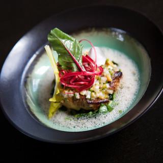 Foie gras / rhubarbe / émulsion au curry