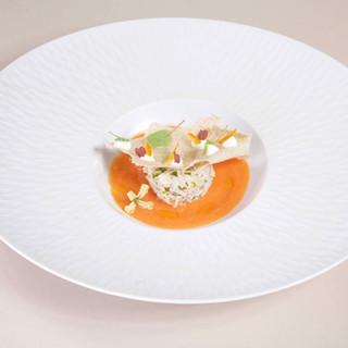Tourteau / gaspacho de tomate / tuile sarrazin
