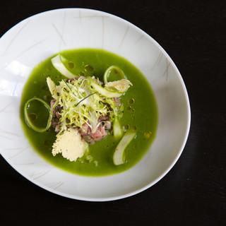 Veau / asperges vertes / tuiles au parmesan
